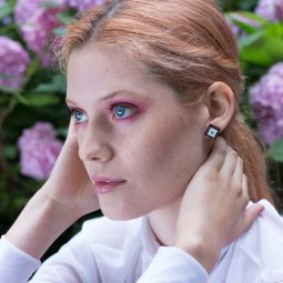 SUI_earrings_carre3_KORA collection
