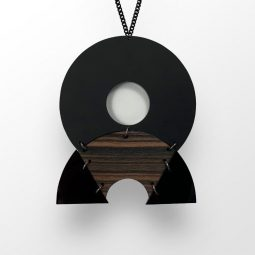 SUI_jewellery_necklace circlehalf4_moxx collection