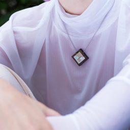 SUI_necklace_carre1_KORA collection