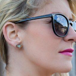 sui-SHELL-diamond-earrings