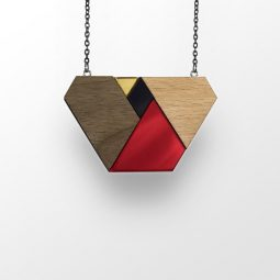 sui_red -wood_beech-acrylic_necklace_shape_black chain_3