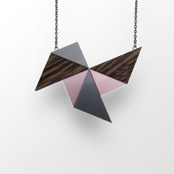 sui_wood_acrylic-necklace-windmill_black chain_6