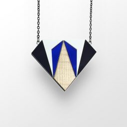 sui_wood_acrylic_necklace-diamant-3