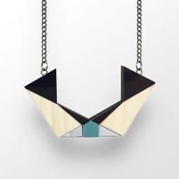 sui_wood_acrylic_necklace-ki-cat-1