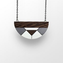 sui_wood_acrylic_semicircle-necklace 1
